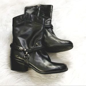 B MAKOWSKY Leather Moto Boots w/Removable Harness